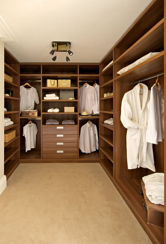 Bespoke Fitted Dressing Room