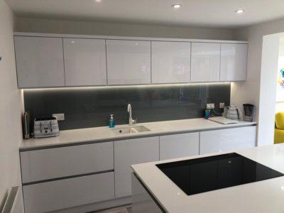 white sleek modern kitchen