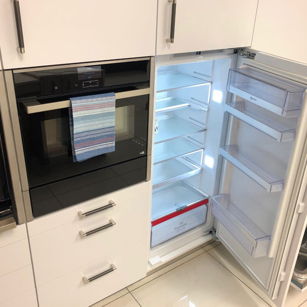 Accessible Kitchens Freedom Kitchens Reading Woodley Tara Neil
